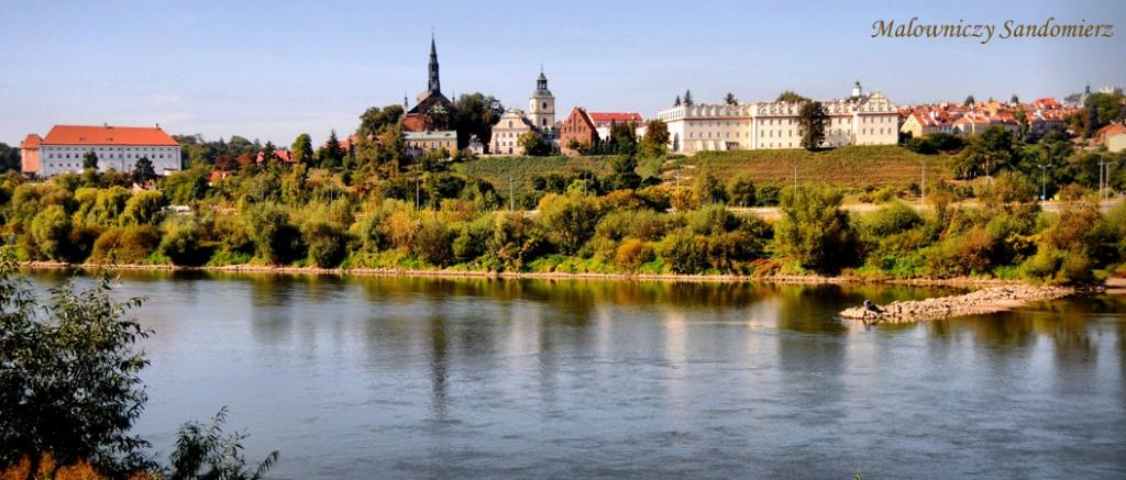 Panorama na Stare Miasto w Sandomierzu od strony Wisly zmniejszone